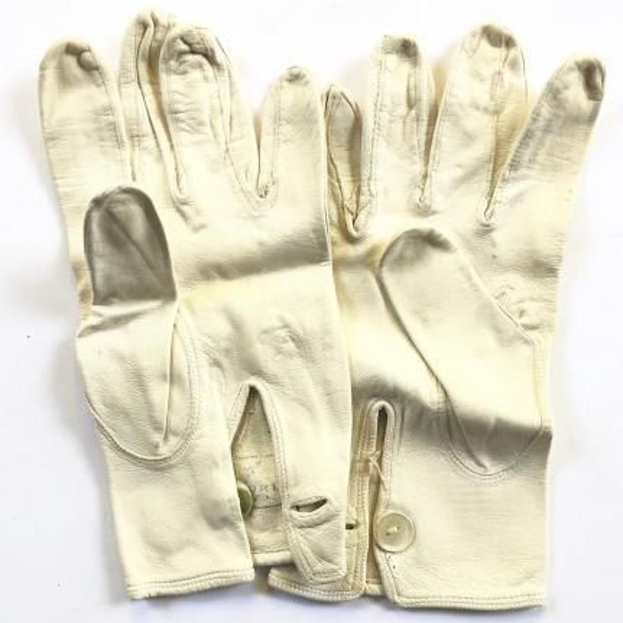RAF Attributed Air Officer's Pattern White Leather Parade Gloves