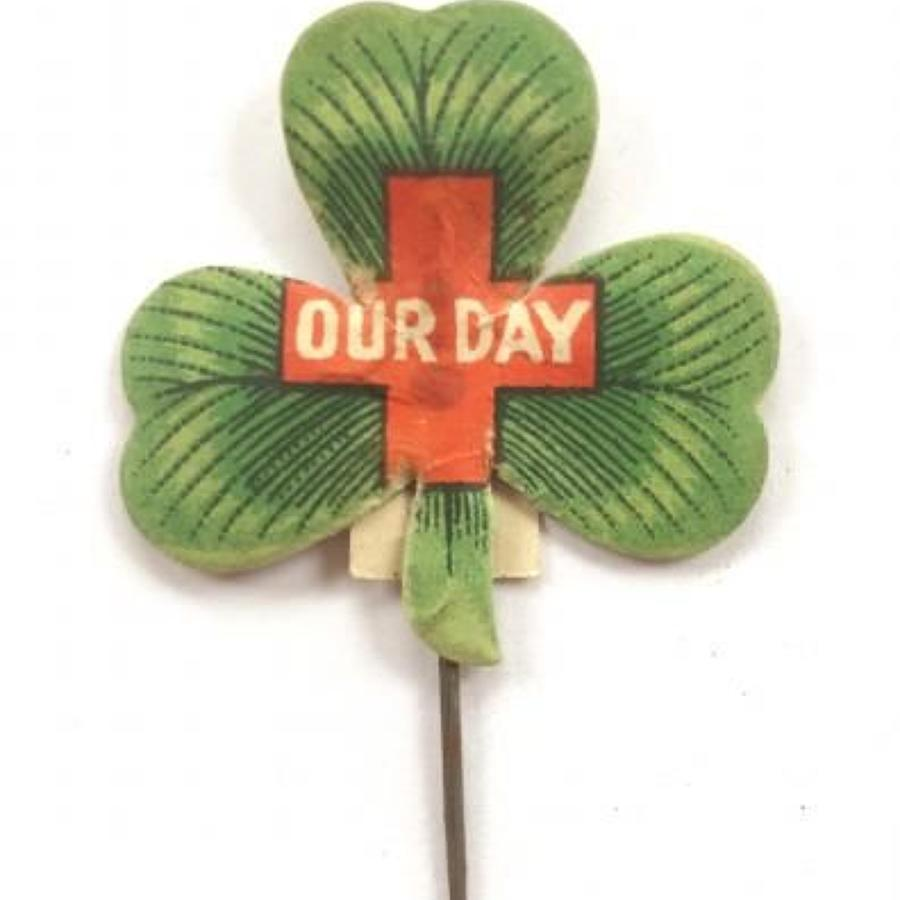 WW1 Irish Red Cross Charity Fundraising Flag Day Badge.