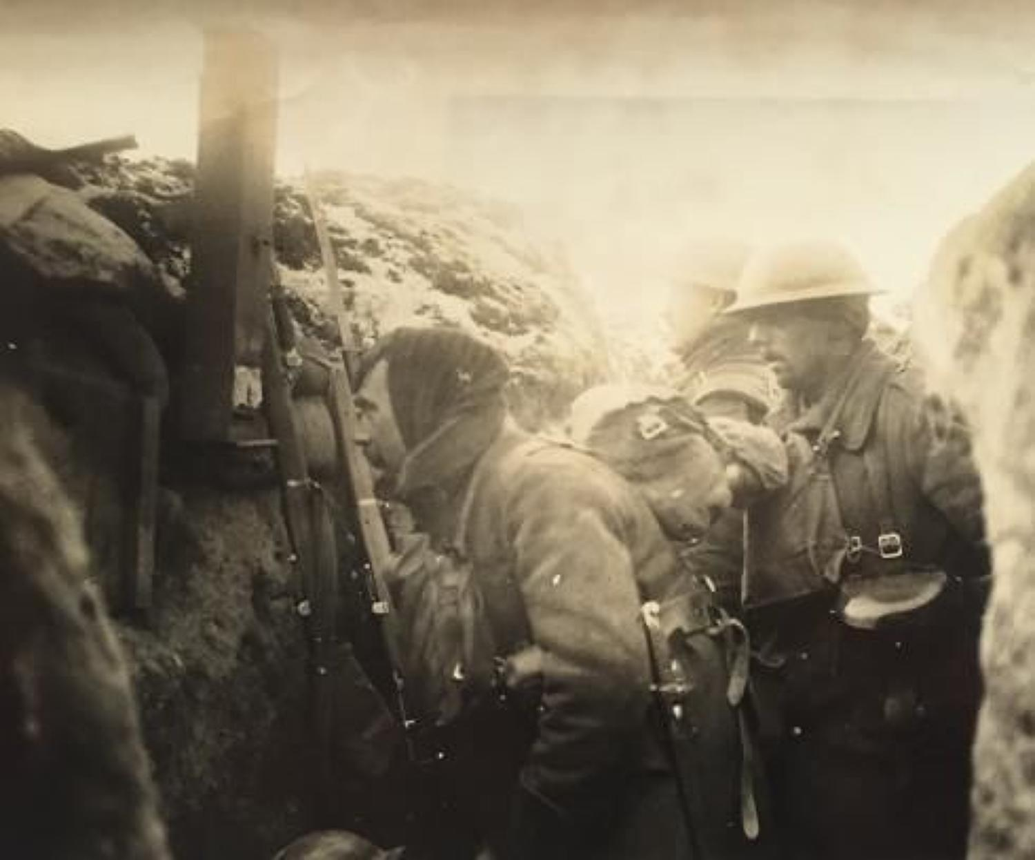 WW1 Superb Press Photograph of a Front Line Trench.