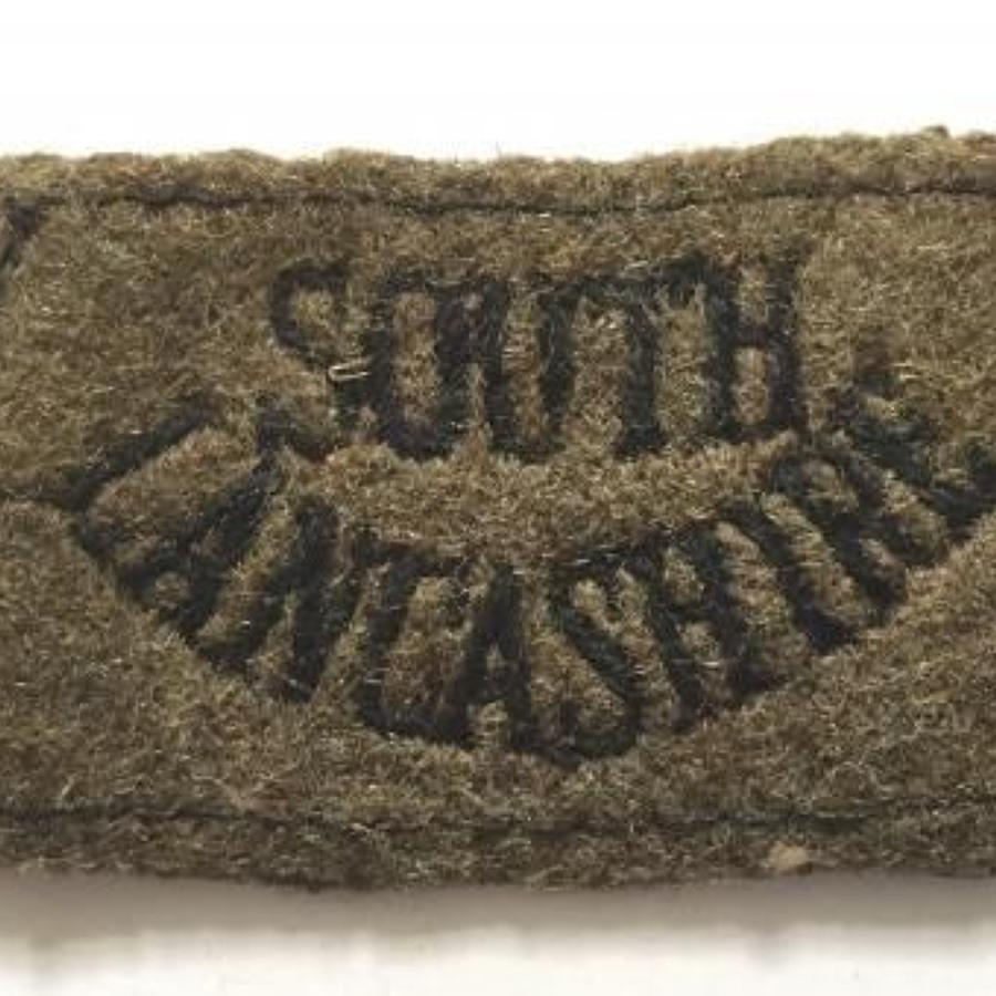 WW2 Period South Lancashire Regiment Slip on Cloth Shoulder Title Badg