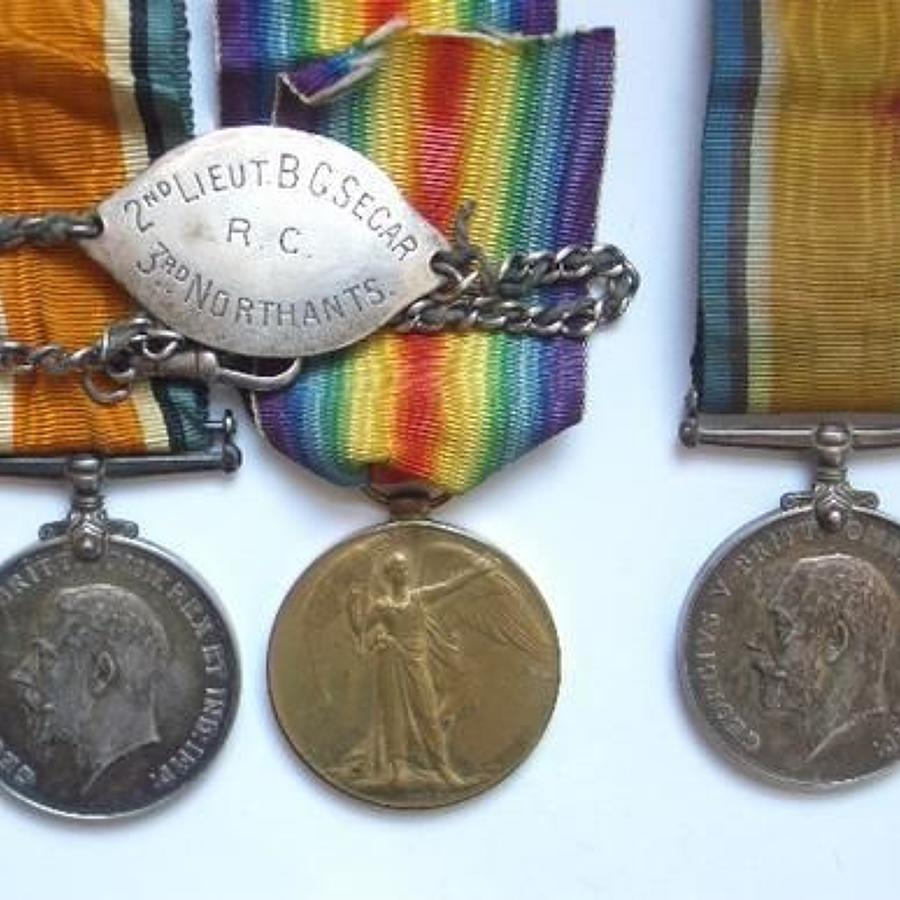 WW1 Northamptosnshire & Worcestershire Regt Officer's Family Medals