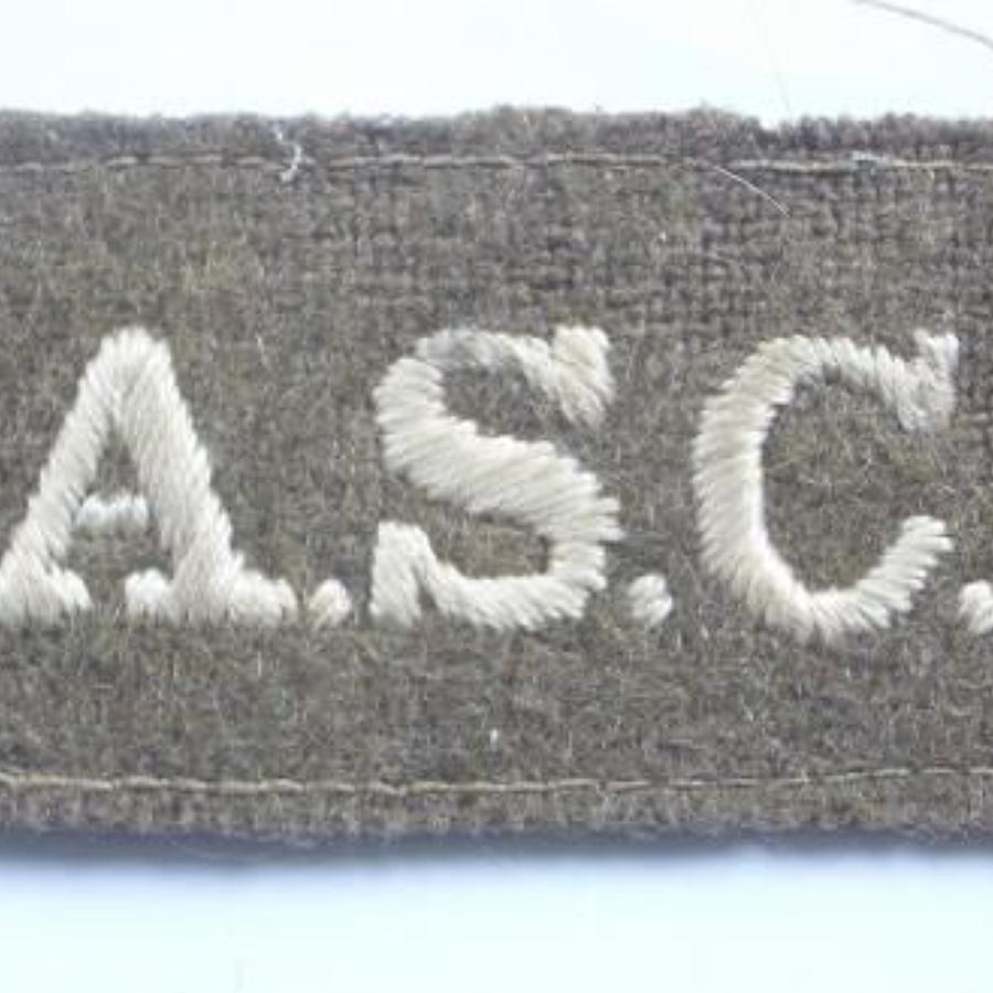 WW1 Army Service Corps Slip on Cloth Shoulder Title.