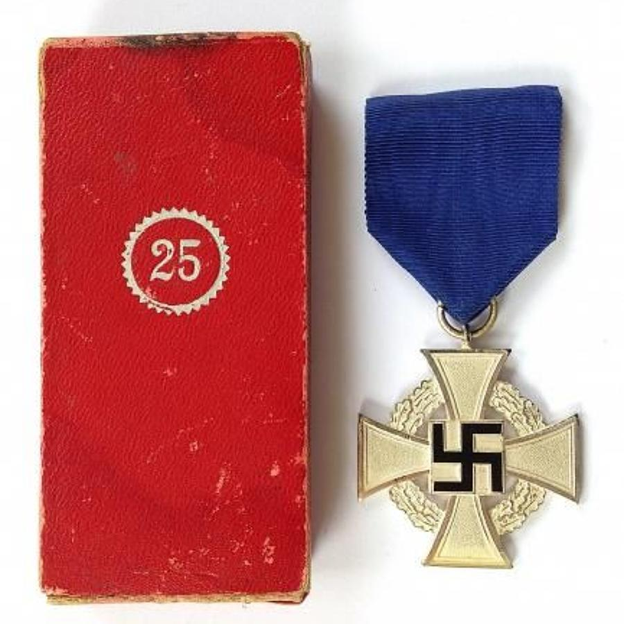 WW2 German 25 Year Faithful Service Medal & Box.