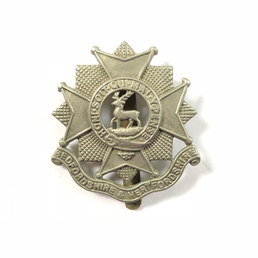WW2 Beds & Herts Regiment Cap Badge