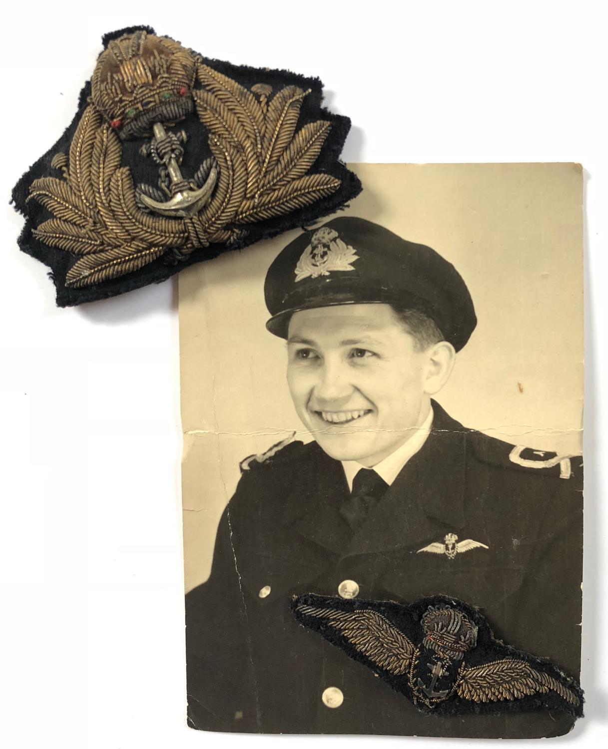WW2 Fleet Air Arm Pilots Wings Photograph & Cap Badge.