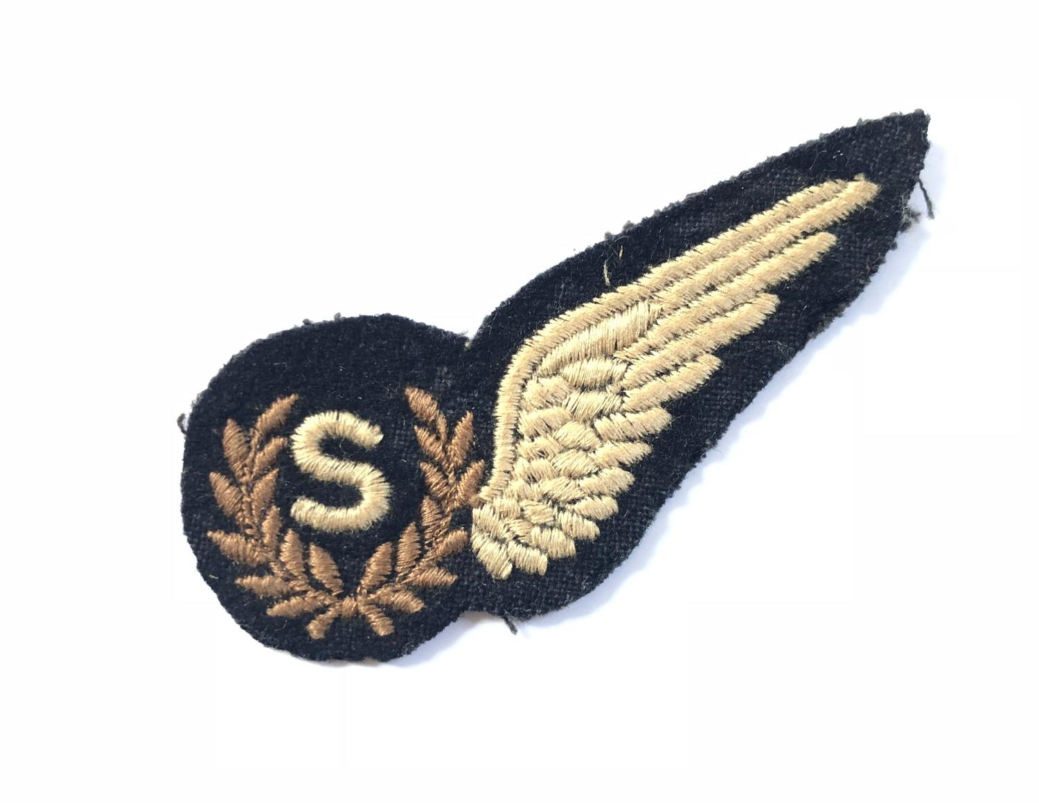 WW2 Period RAF Signaller Brevet Badge.