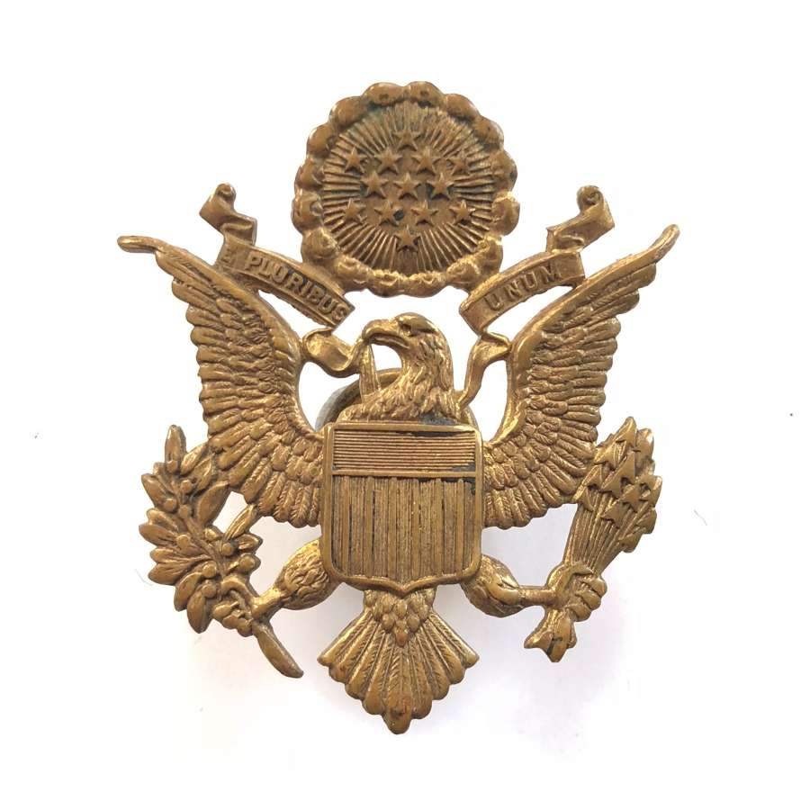 US Army / Army Air Corps WW2 Pattern Officer's Cap Badge.