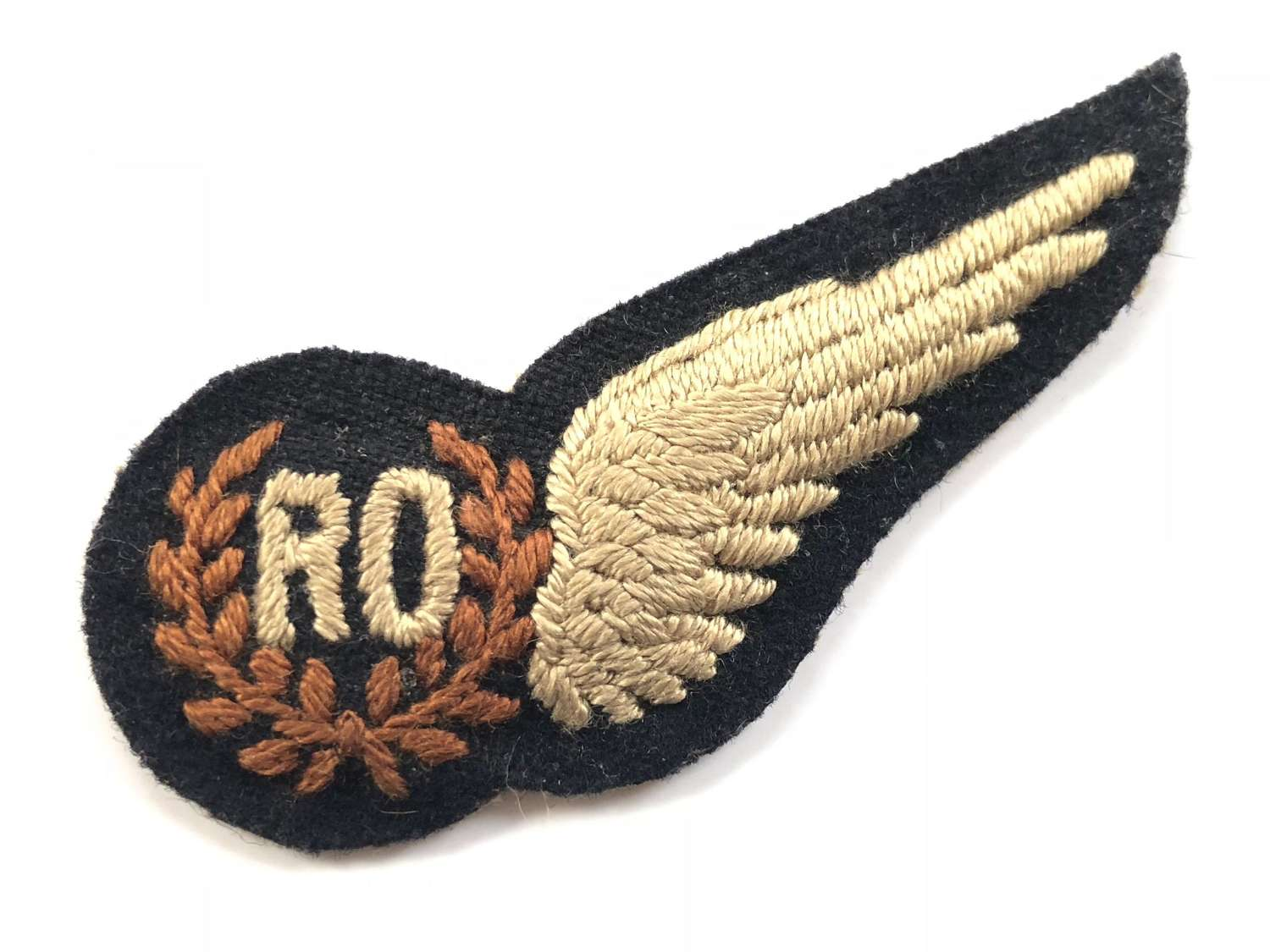 WW2 Scarce Padded RAF Radio / Radar Operator WW2 brevet badge.