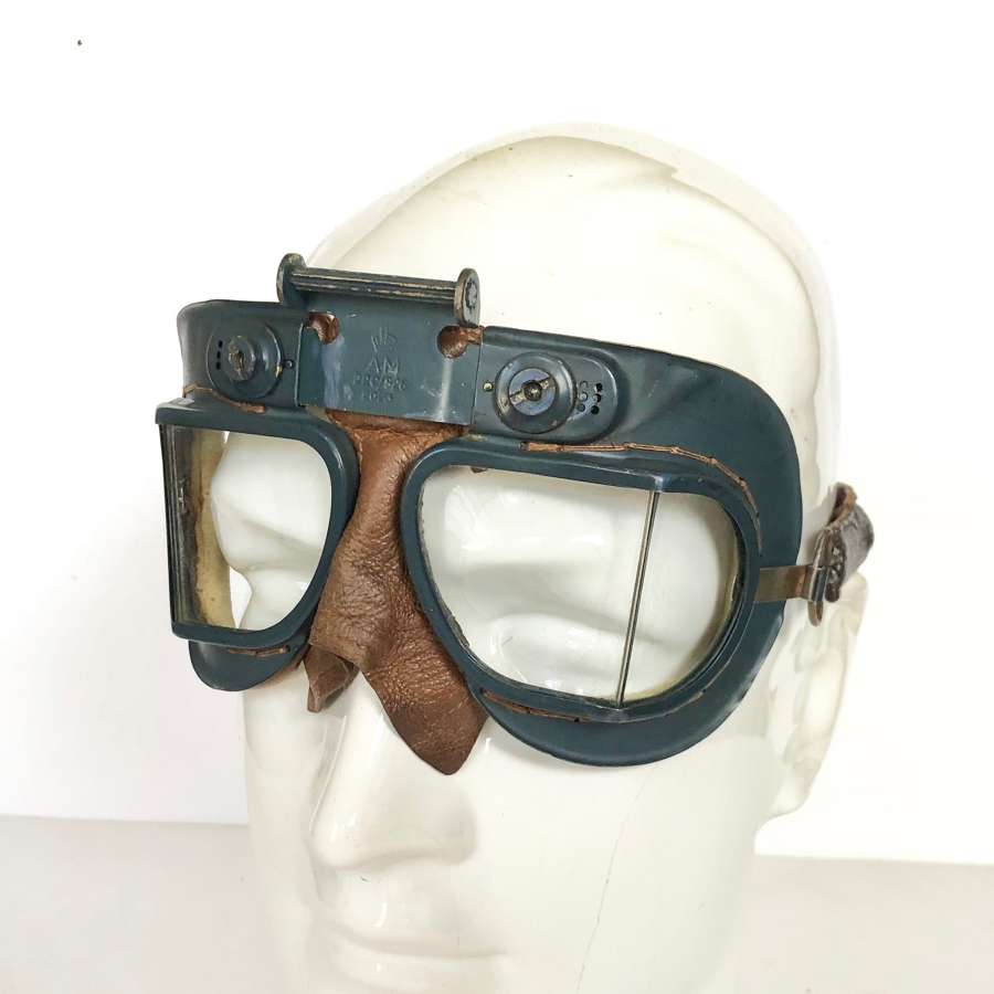 WW2 RAF MKVII First Pattern Flying Goggles.