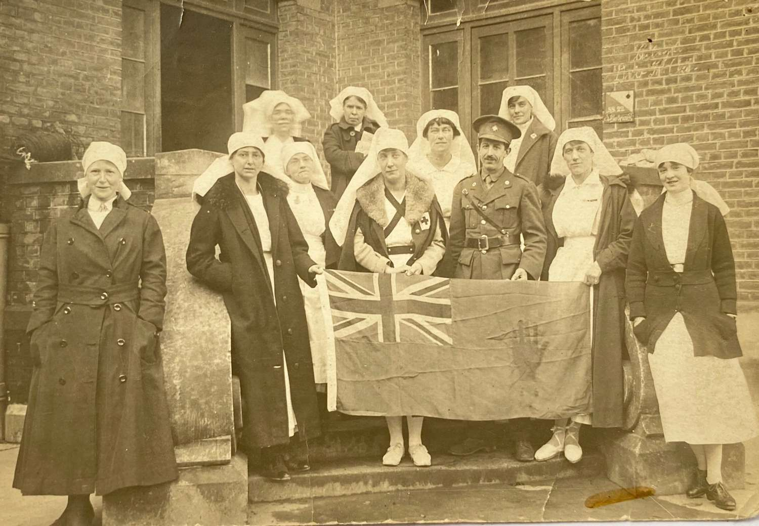 WW1 1918 Ulster VAD Voluntary Aid Detachment Nurse Photograph.