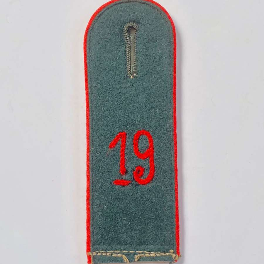 German Shoulder Strap of the 19th Artillery Regiment.