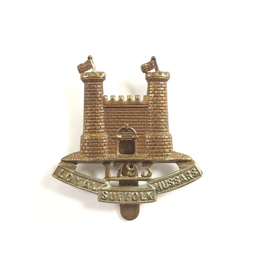 WW1 / WW2 Pattern Loyal Suffolk Hussars Cap Badge