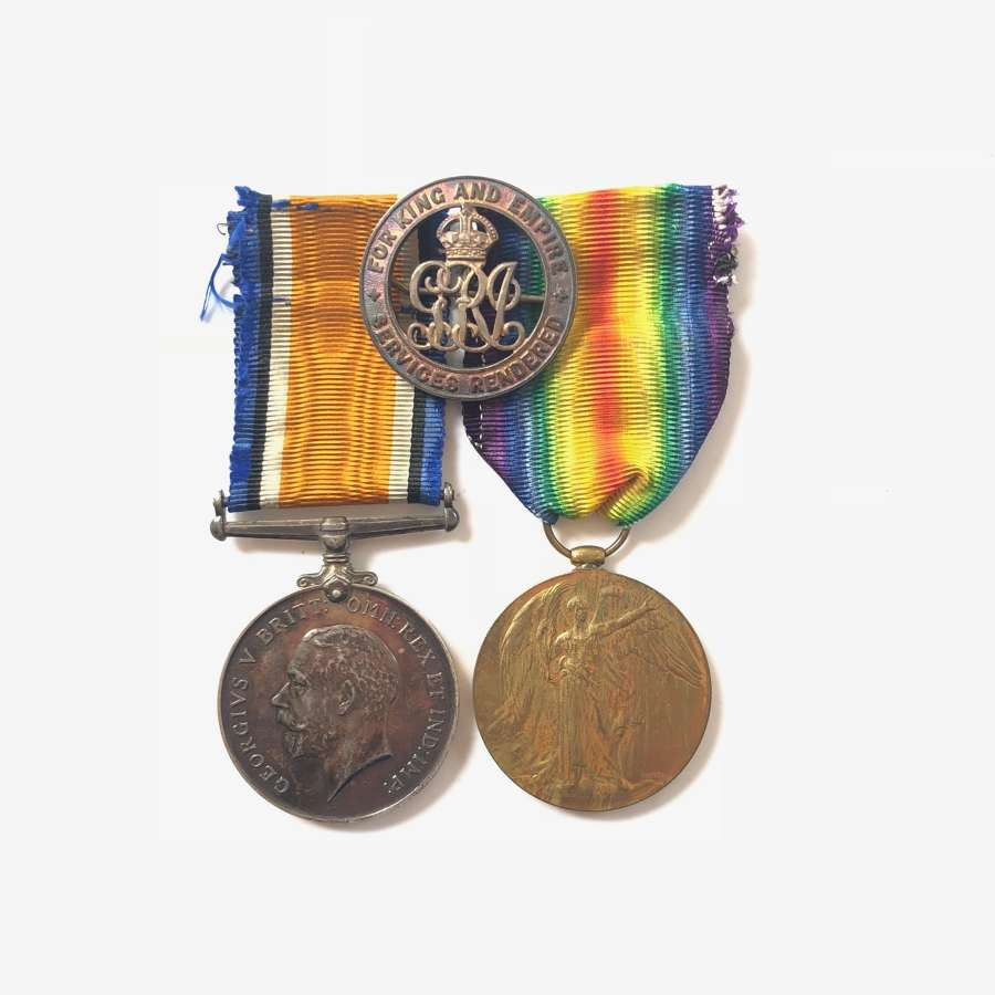 WW1 Machine Gun Corps Officers Medal and Silver War Badge.