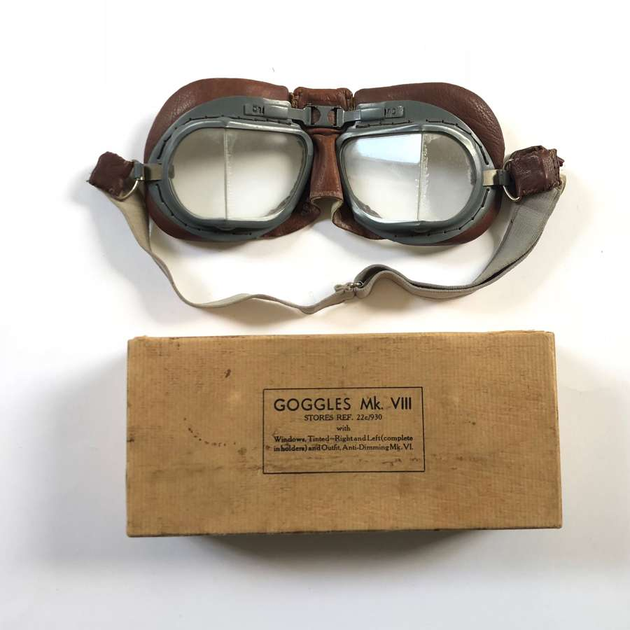 WW2 Pattern RAF Boxed MKVIII Pattern Flying Goggles.