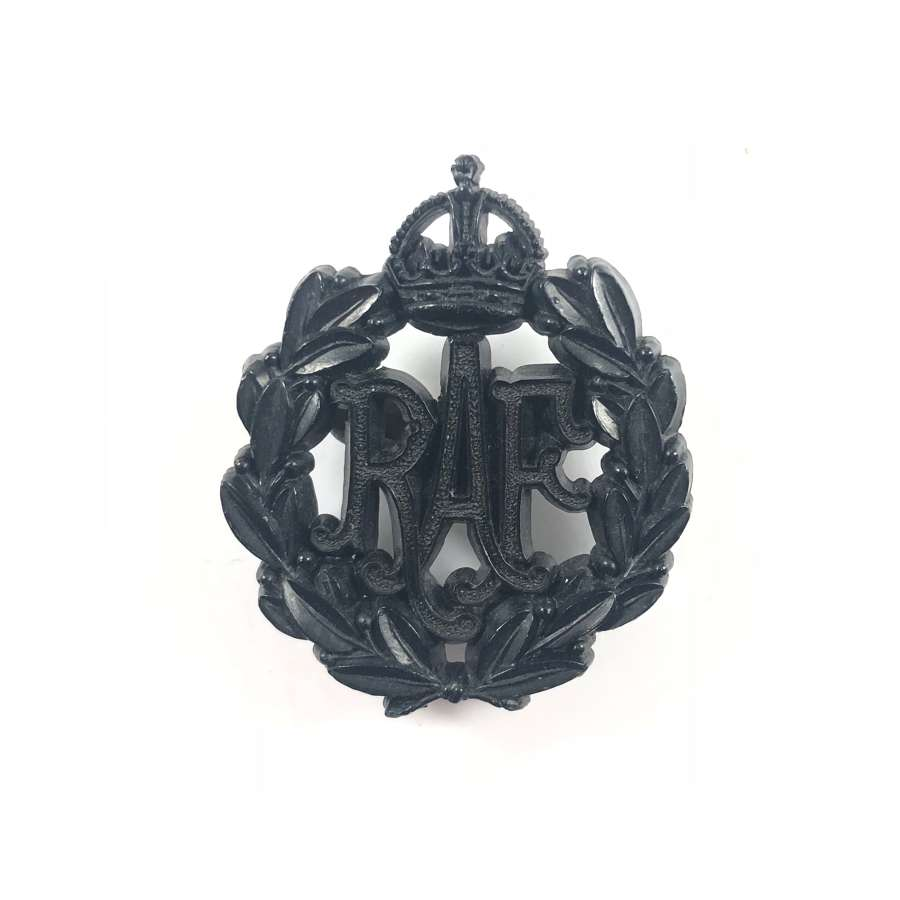 WW2 RAF Black Plastic Economy Issue Cap Badge.