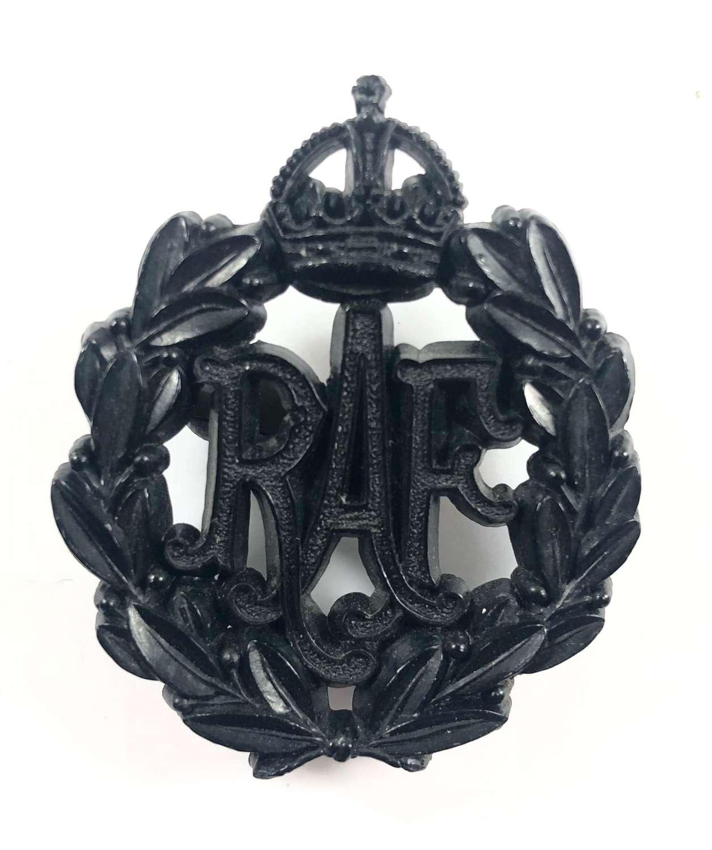WW2 RAF Black Plastic Economy Issue Cap Badge.