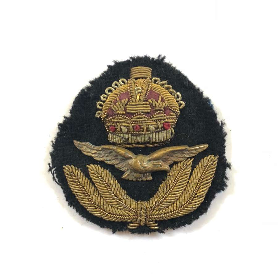RAF WW2 Period Officer's Cap Badge.