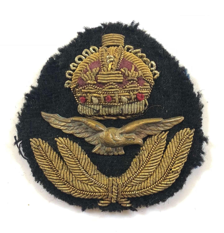 RAF WW2 Period Officer's Cap Badge.