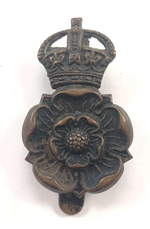 WW1 / WW2 Yorkshire Dragoons Cavalry Cap Badge.