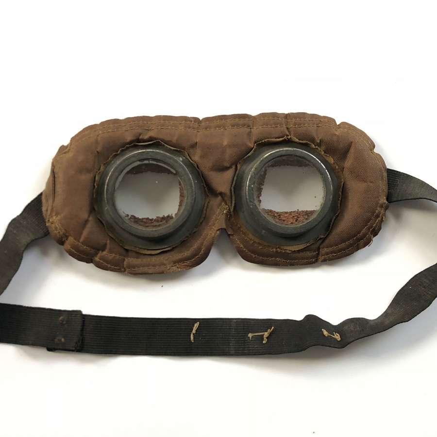 WW1 Circa 1915 British Army Issue Gas Goggles.