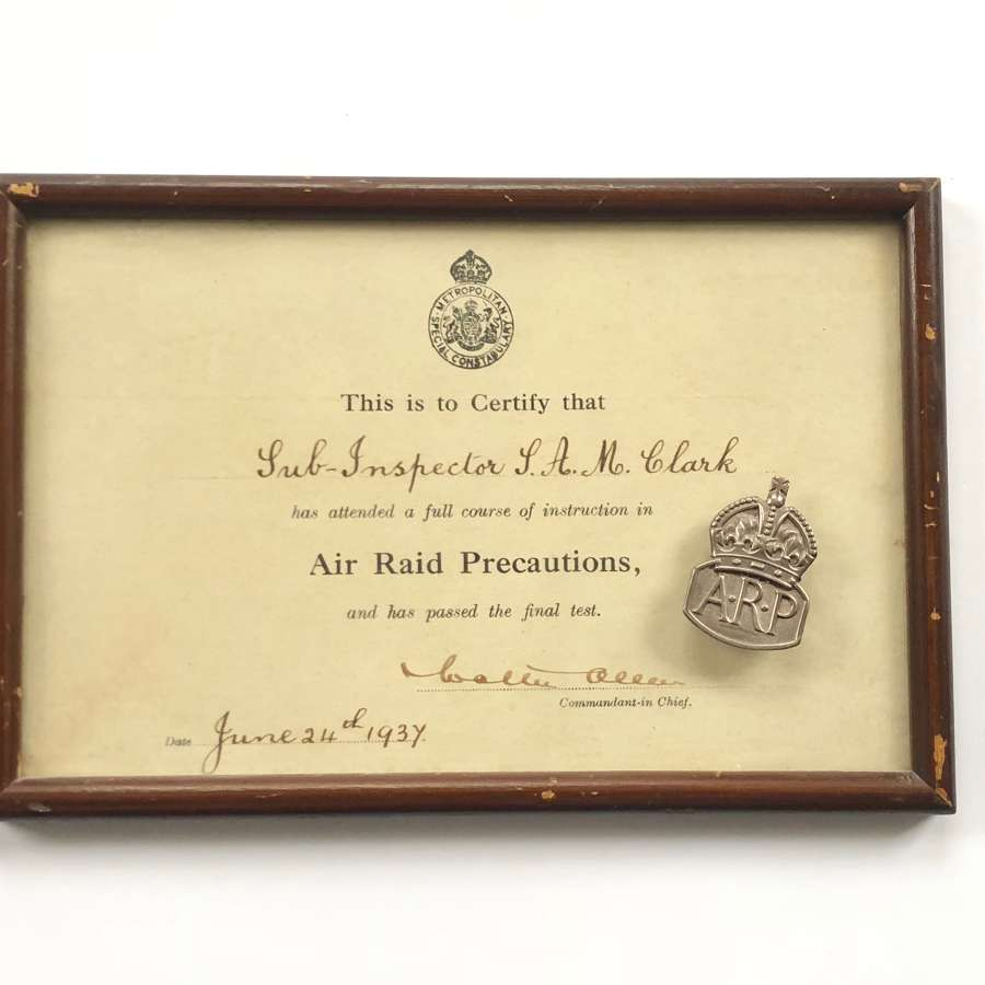 WW2 Metropolitan Police ARP Certificate & Silver Badge.