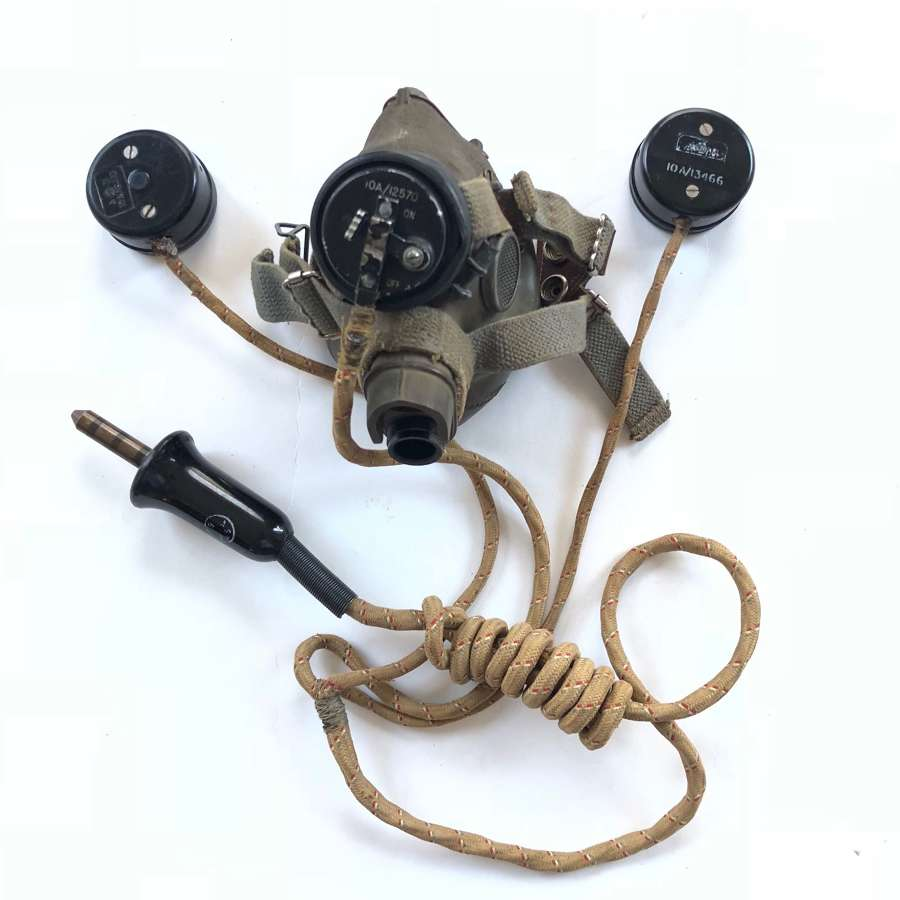 WW2 RAF Aircrew G Type Oxygen Mask & External Wiring Loom.