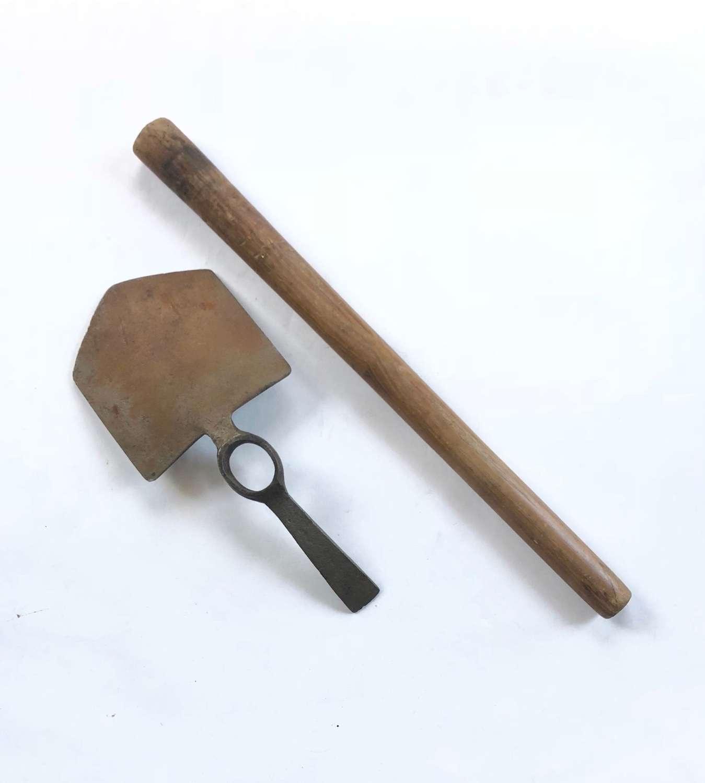 WW1 1915 British Army Entrenching Tool.