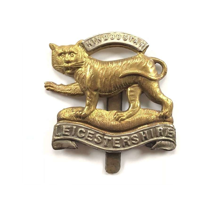 WW1 / WW2 Pattern Leicestershire Regiment Cap Badge.