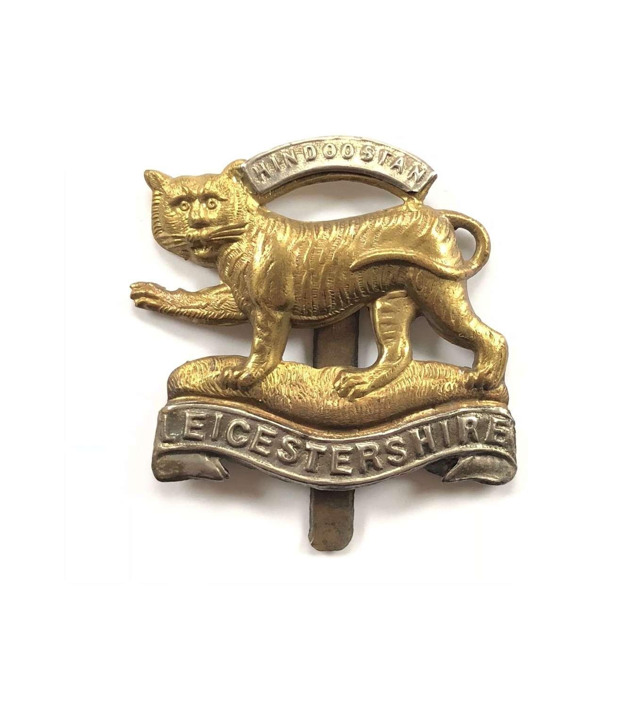 WW1 / WW2 Pattern Leicestershire Regiment Cap Badge.