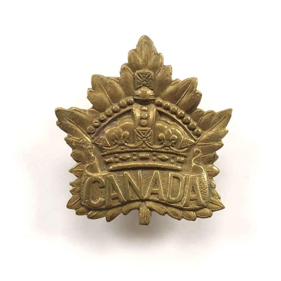 WW1 / WW2 Pattern Canada Cap Badge.