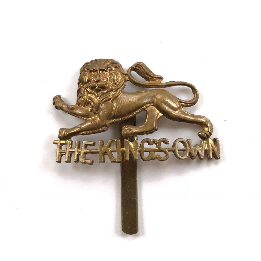 WW1/WW2 The King's Own Regiment Cap Badge.