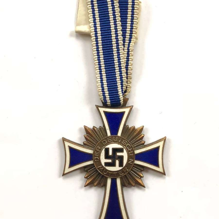 WW2 German Mother's Cross in Bronze.