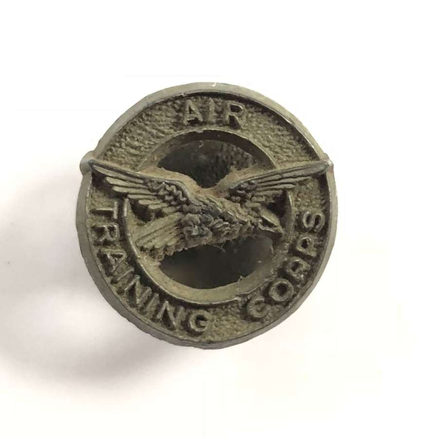 WW2 RAF Air Training Corps Plastic Bakerlite Economy Lapel Badge.