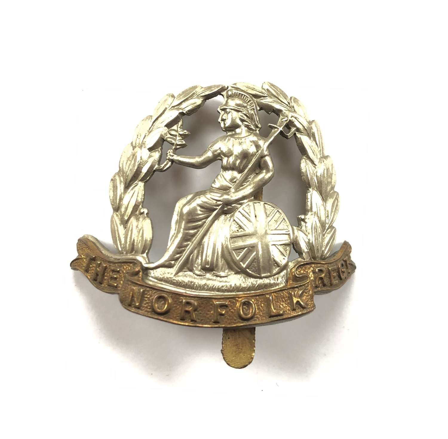 WW1 Norfolk Regiment Cap Badge.