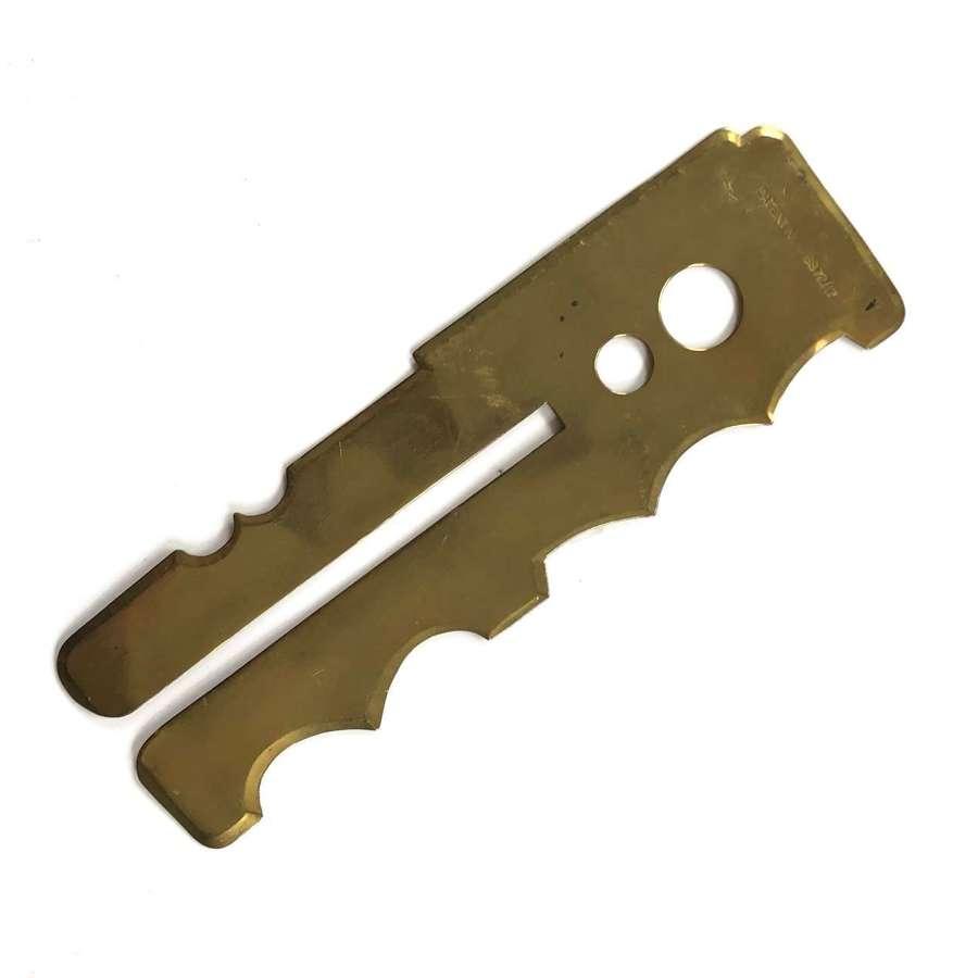 WW1 WW2 Pattern Brass Button Cleaning Stick.