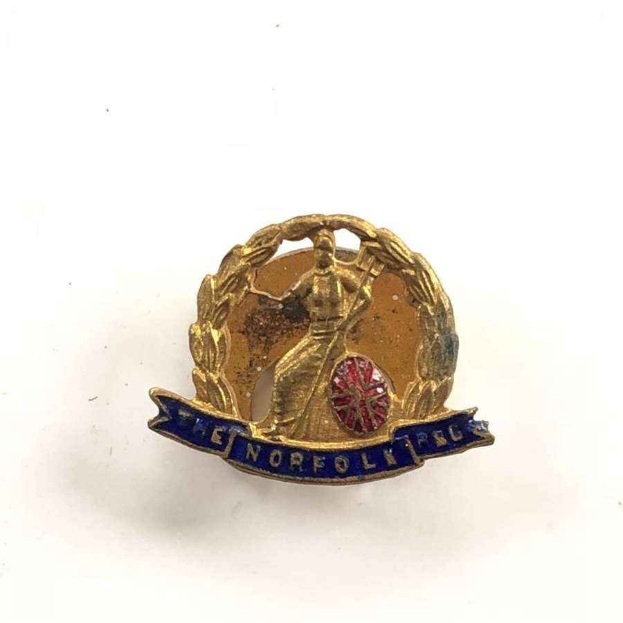 Norfolk Regiment Lapel Badge.