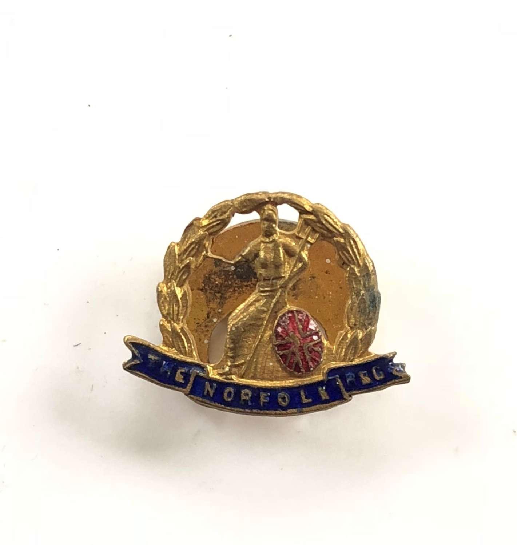 Norfolk Regiment Lapel Badge.
