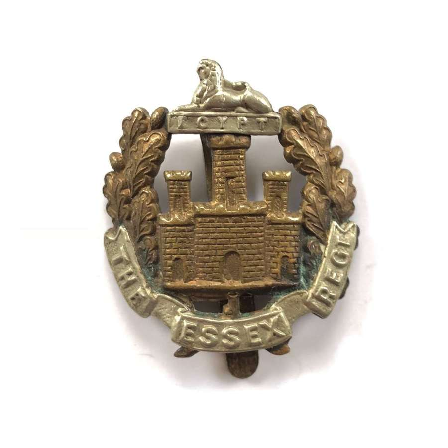 WW1 WW2 Essex Regiment Cap Badge.
