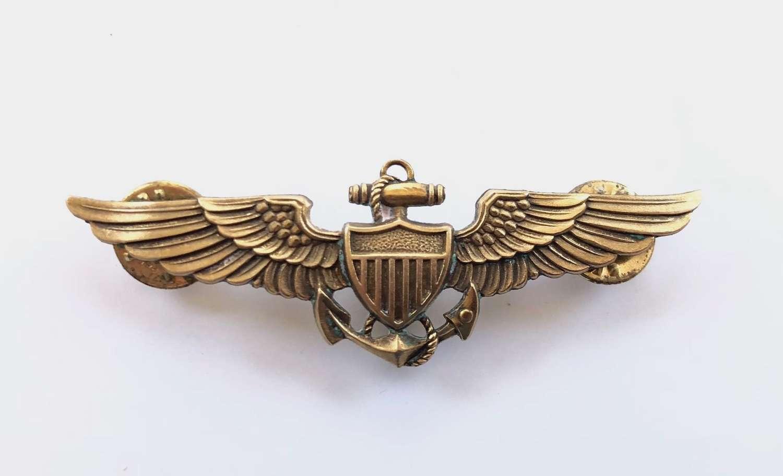 WW2 Pattern US Navy Pilot Wings Clutch Fitting.