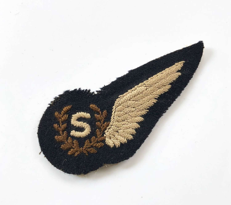 WW2 Period RAF Signaller Brevet Badge.