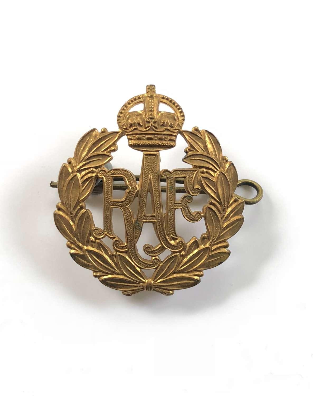 WW2 Period RAF Cap Badge.