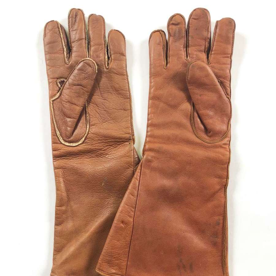 WW2 RAF D Type Aircrew Flying Gloves Gauntlets.