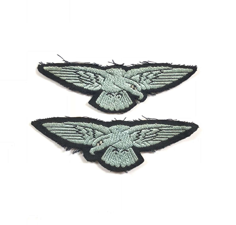 WW2 RAF / WAAF Pair of Shoulder Eagle Badges.