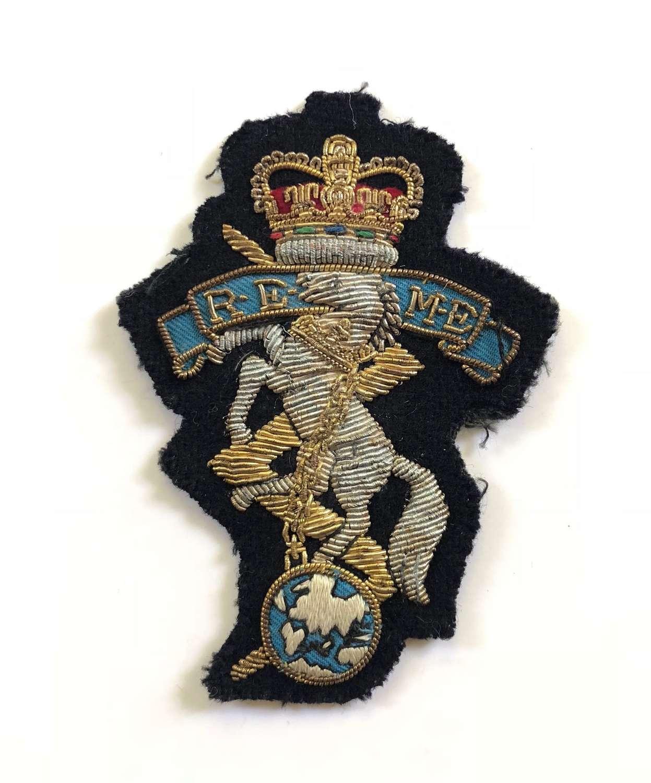 Elizabeth II Vintage REME Blazer Badge