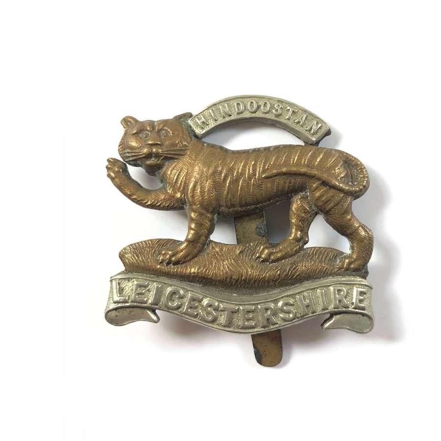 WW1/ WW2 Leicestershire Regiment Cap Badge.